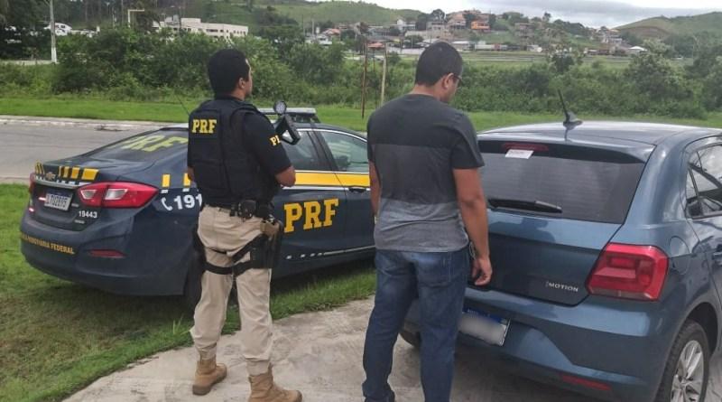 Homem foragido da Justiça é preso em uma blitz em Rio Bonito - Eu, Rio!