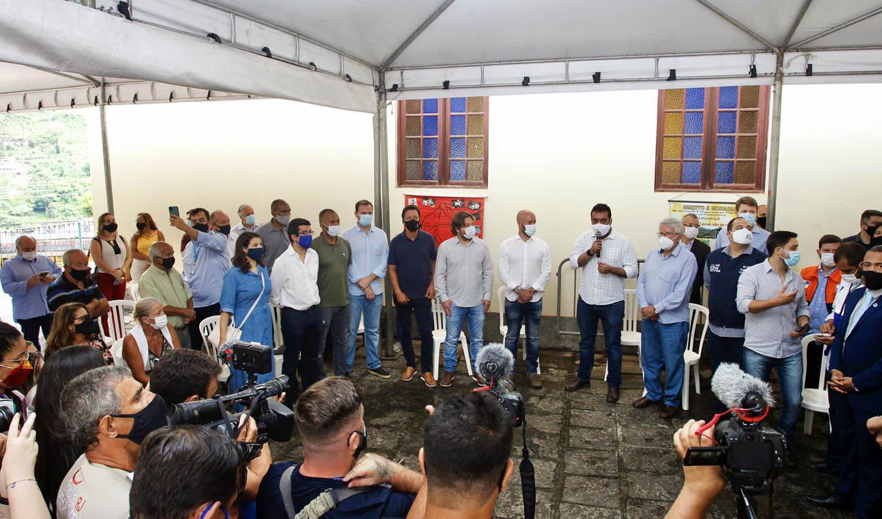 Governador Cláudio Castro anuncia obras contra as chuvas na Região Serrana  - Eu, Rio!